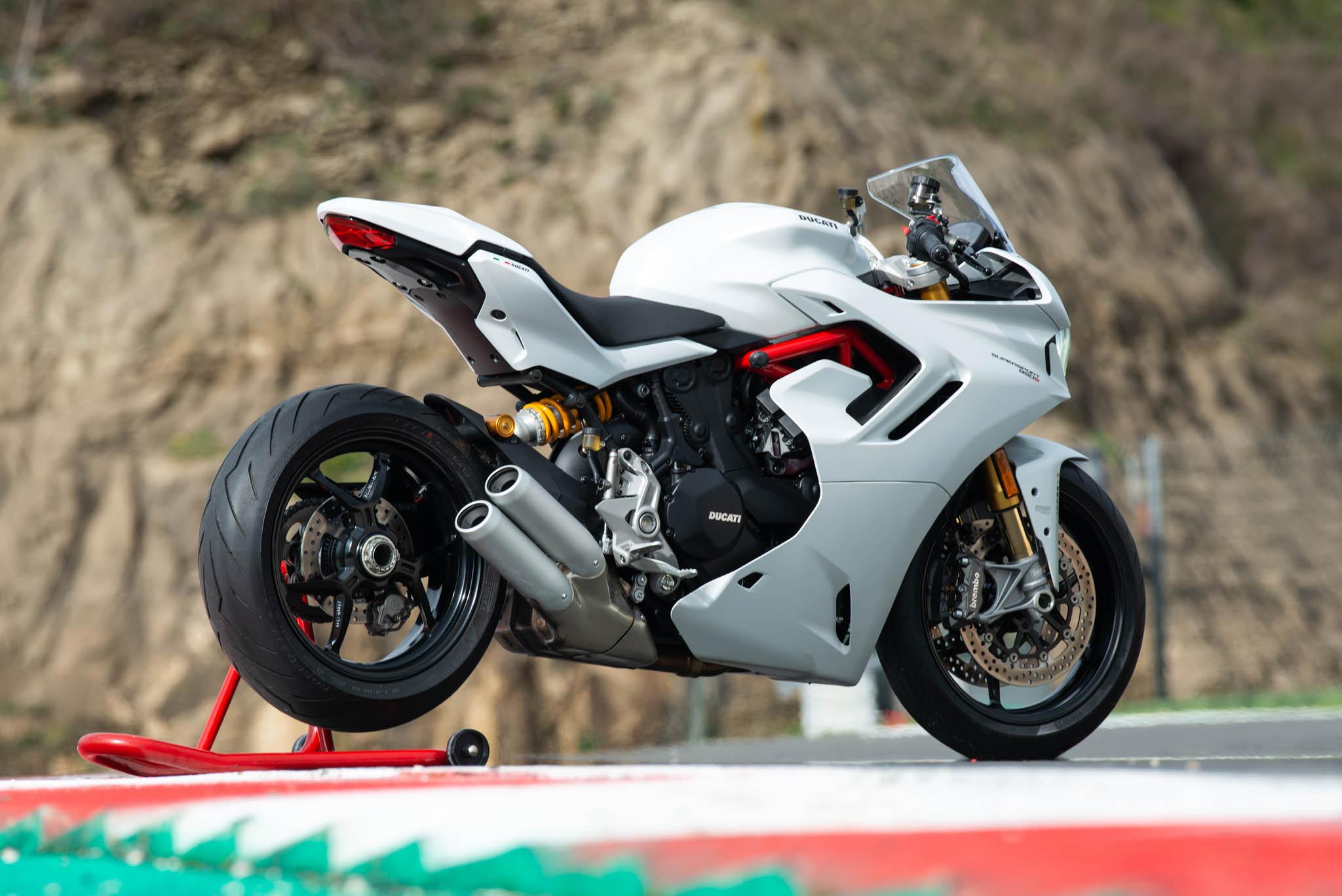 Ducati_SuperSport_950_2021_details-21