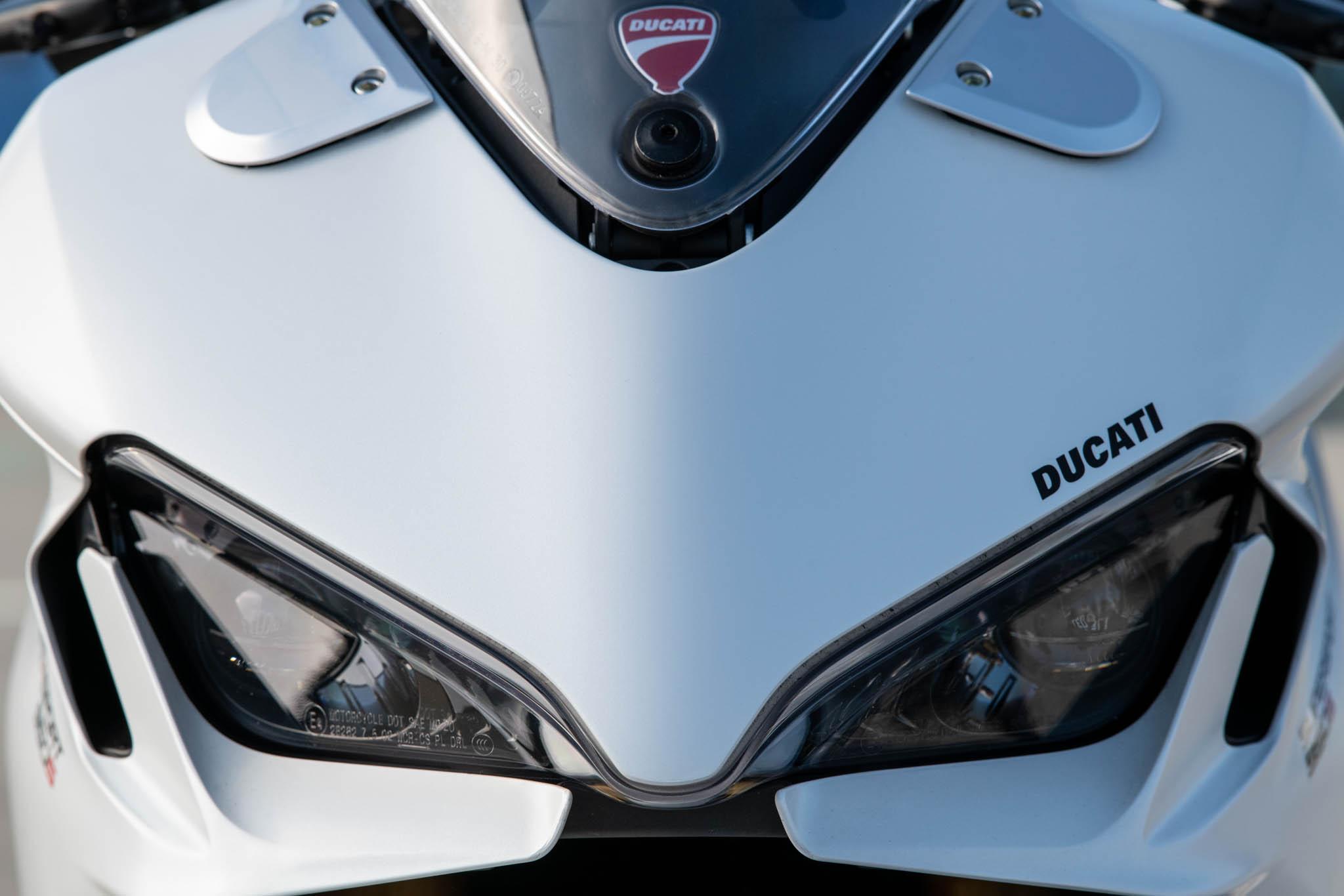 Ducati_SuperSport_950_2021_details-5