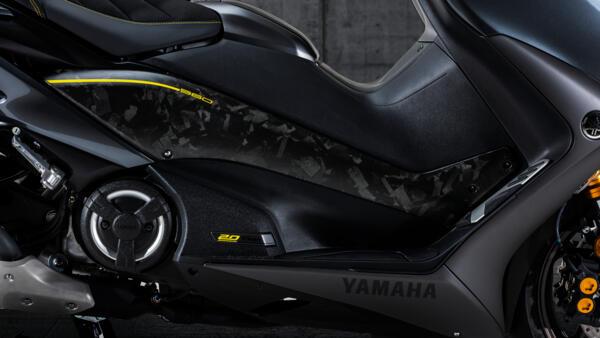 2021-Yamaha-XP500ADXSV-EU-Detail-001-03