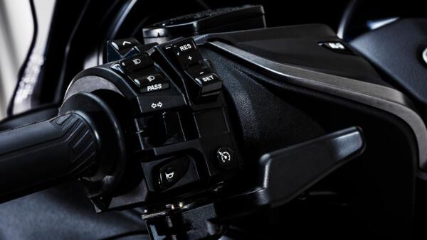 2021-Yamaha-XP500ADXSV-EU-Detail-007-03