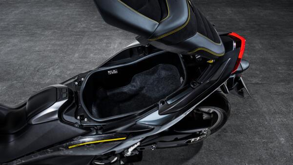 2021-Yamaha-XP500ADXSV-EU-Detail-012-03