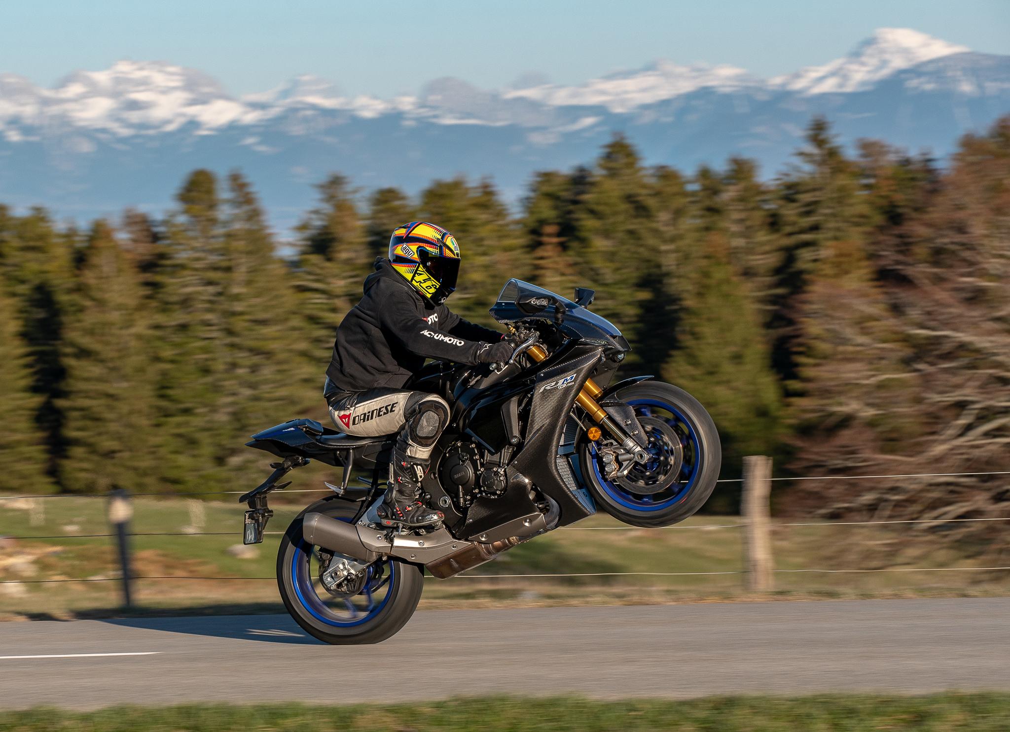 Test Yamaha R1M ActuMoto © Mathias Deshusses-26