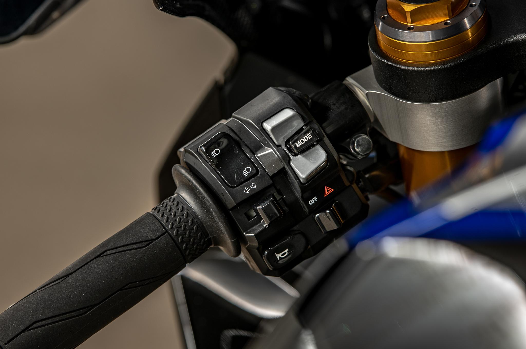 Test Yamaha R1M ActuMoto © Mathias Deshusses-52