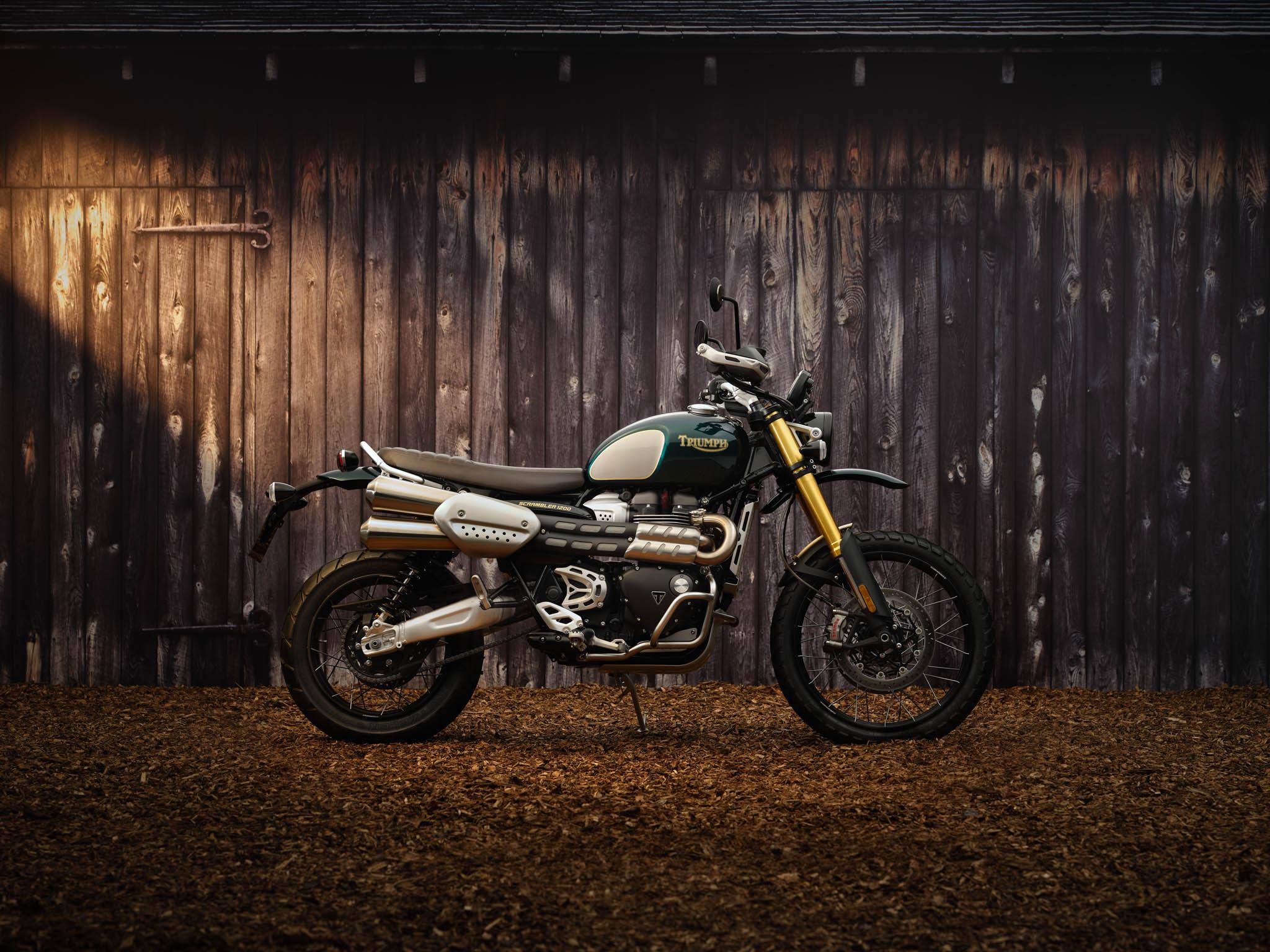 Triumph_Scrambler_1200_Steve_McQueen_2021-1