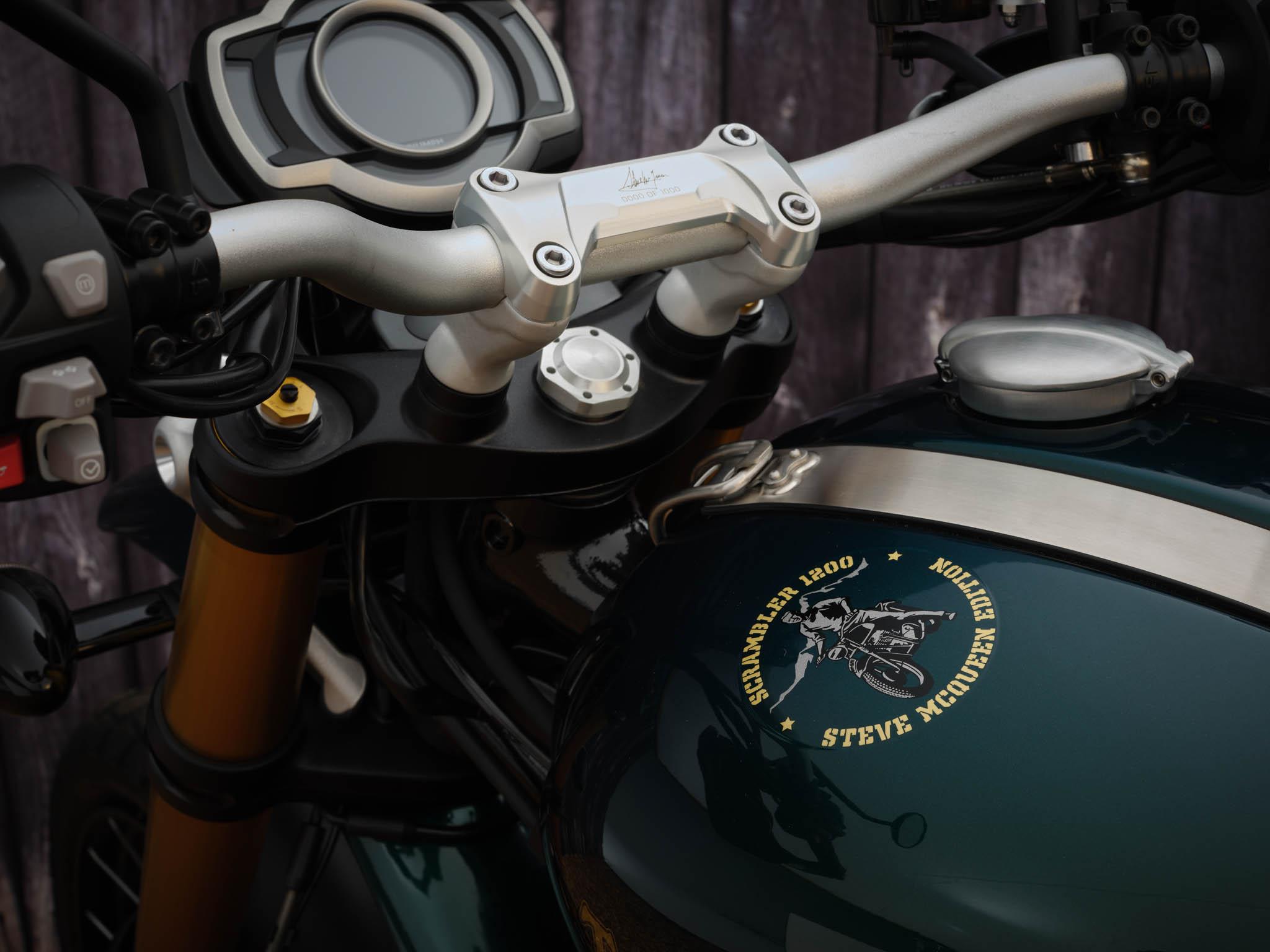 Triumph_Scrambler_1200_Steve_McQueen_Details_2021-1