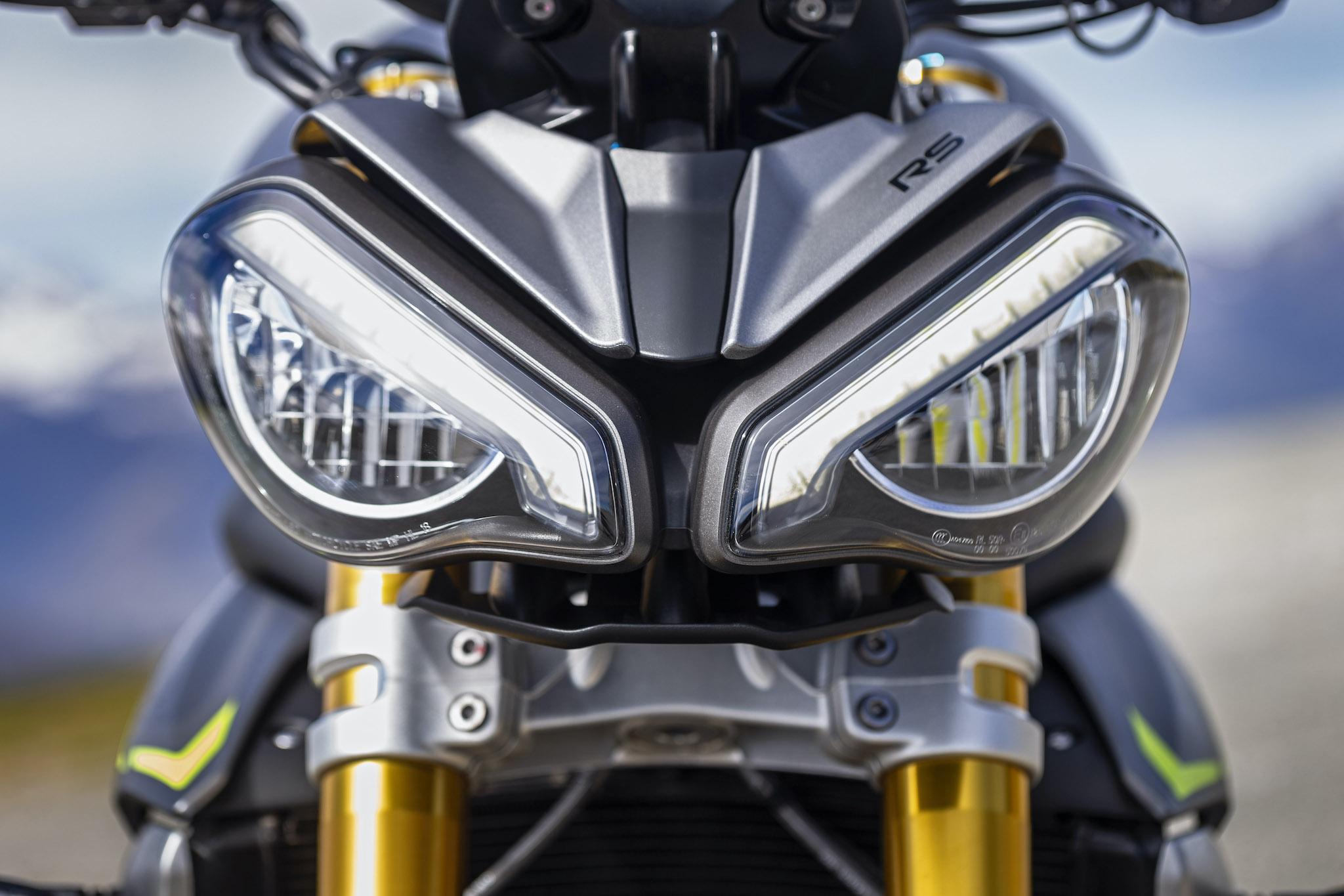 Triumph_Speed_Triple_1200_RS_detsmall15
