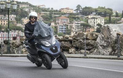 La famille MP3 de Piaggio complétée par un 400 :: Trois-roues inclinables