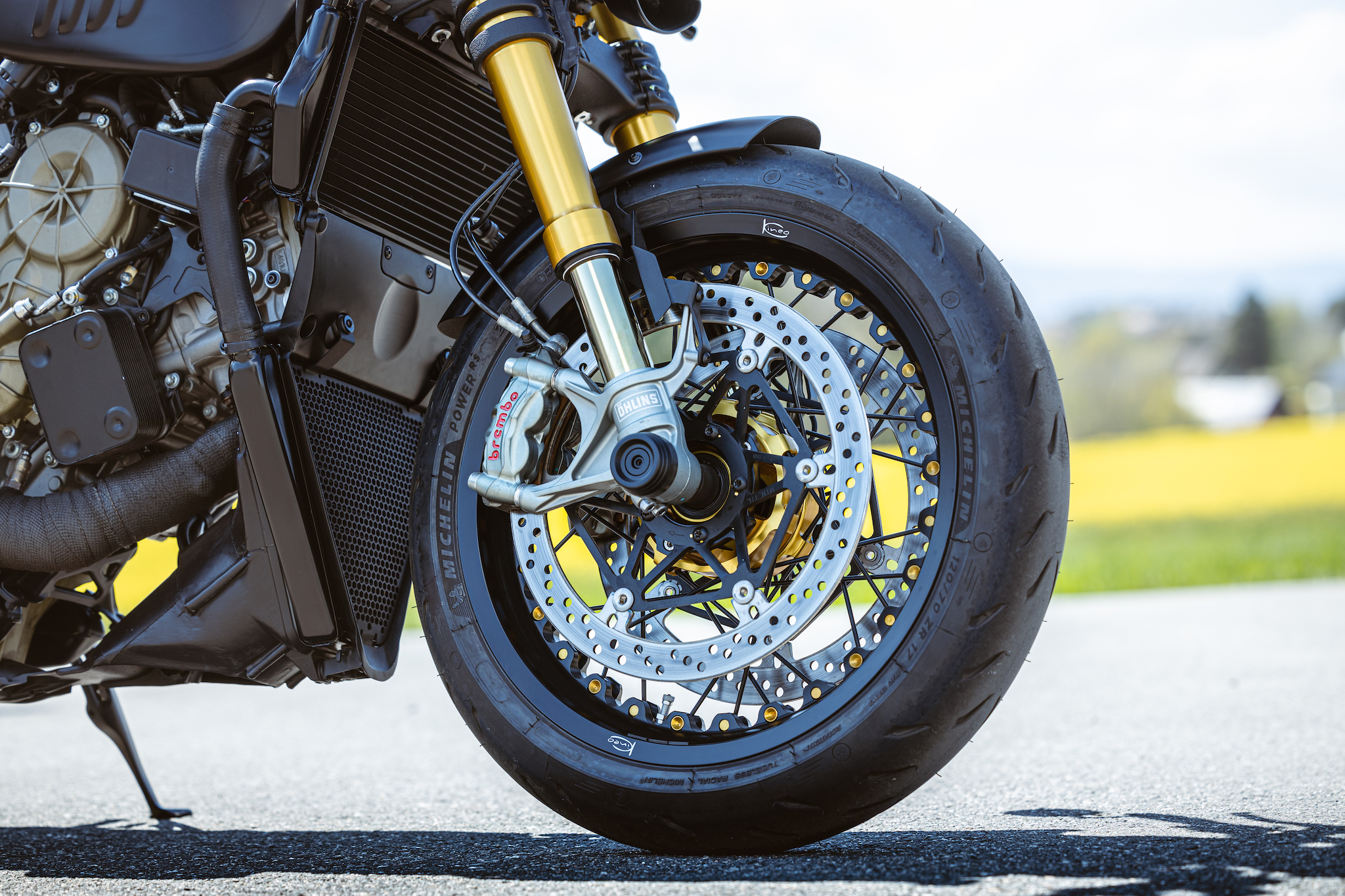 Ducati_Panigale_naked_dream-motos_Madpik-small10