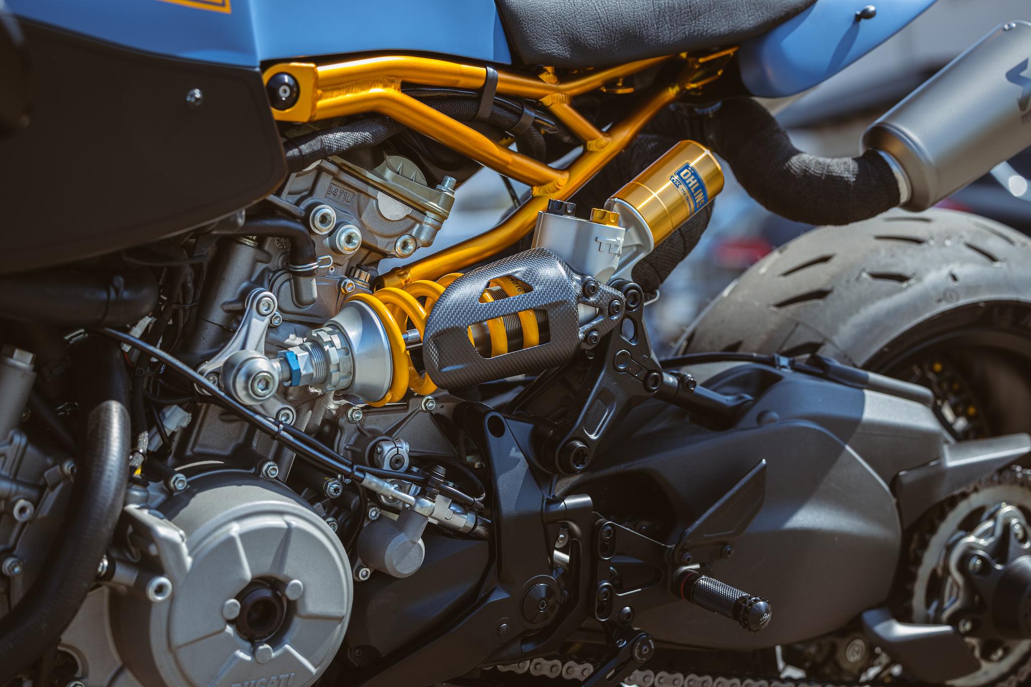 Ducati_Panigale_naked_dream-motos_Madpik-small17