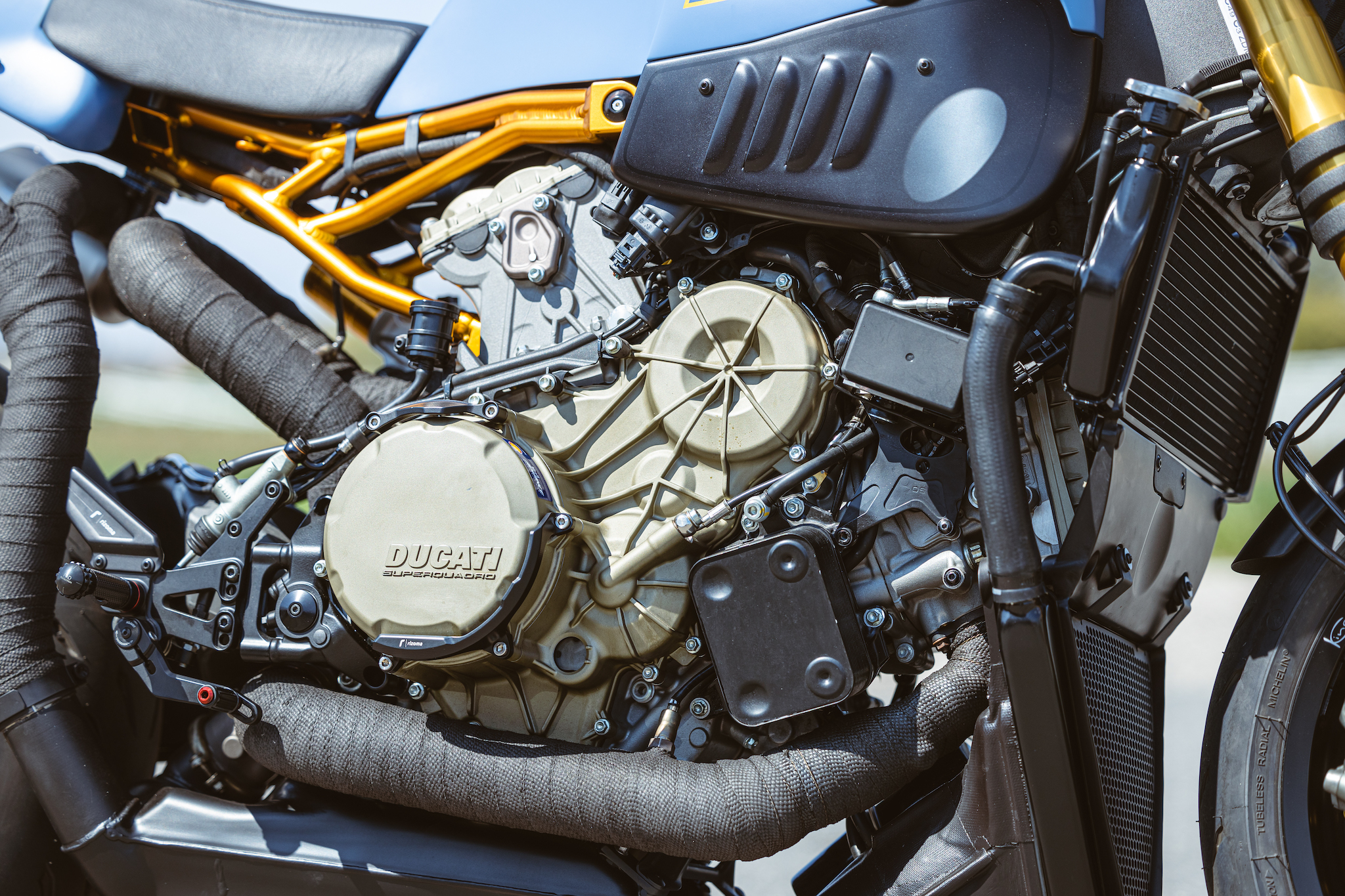Ducati_Panigale_naked_dream-motos_Madpik-small4