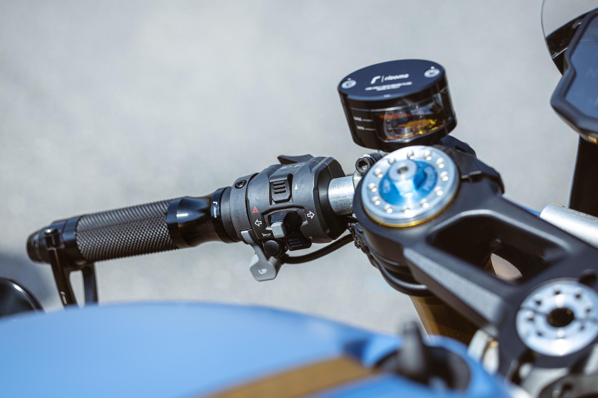 Ducati_Panigale_naked_dream-motos_Madpik-small6