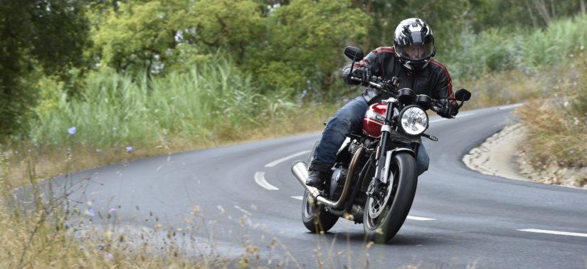 Essai – une Triumph Speed Twin plus précise et plus vive :: Test Triumph :: ActuMoto