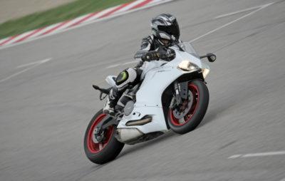 La 899 Panigale, une «Superbike» à usage quotidien :: Ducati