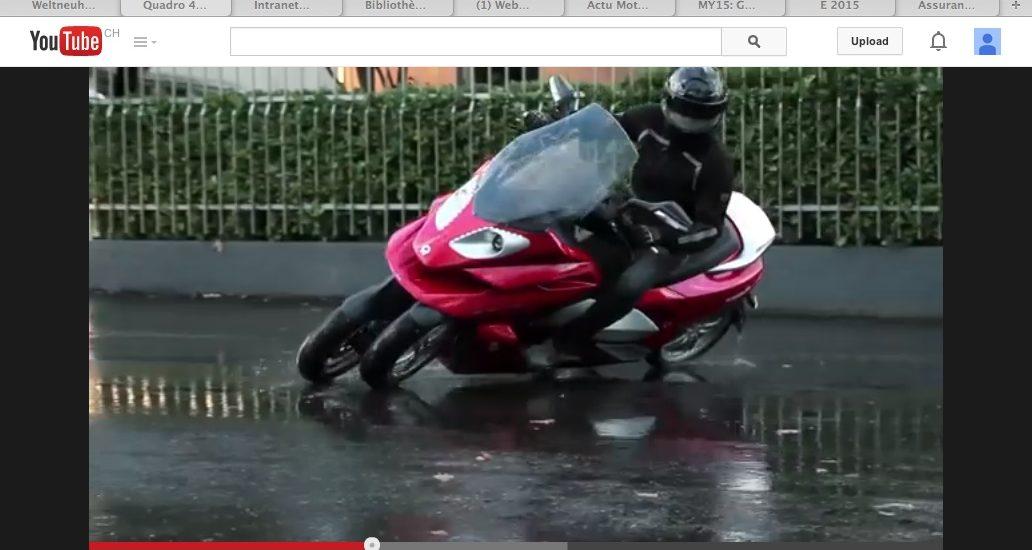 Quadro, 4 roues, inclinables, en vidéo