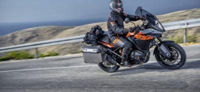 KTM invente l'Adventure sans chichi, la 1050 :: Actu, Motos, Nouveautés 2015
