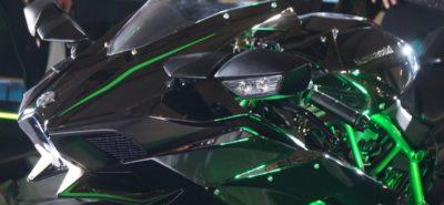 Le Salon de Milan (EICMA 2014) en quelques images: Kawasaki, Triumph, BMW, Piaggio… :: Actu, Motos, Nouveautés 2015, Scooters