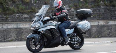 C'est la fin de la Kawasaki GTR 1400 – pour faire place à un tourer suralimenté? :: Actu, Motos
