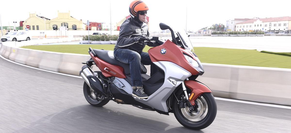 Une cure de jouvence pour les maxi-scooters BMW