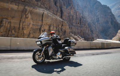 Le touring moto à la façon Harley, entre chèvres et chameaux, dans le Golfe persique :: Harley-Davidson