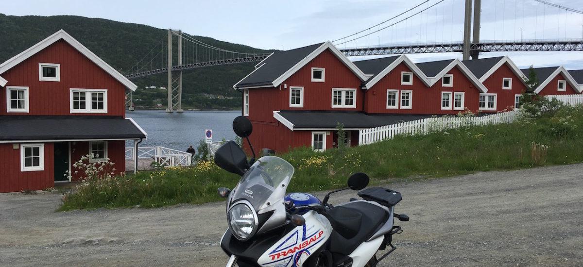 Les règles pour voyager à l'étranger avec une moto