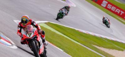 Victoire de Chaz Davies pour la première course, devant les Kawasaki :: World Superbike Lausitzring