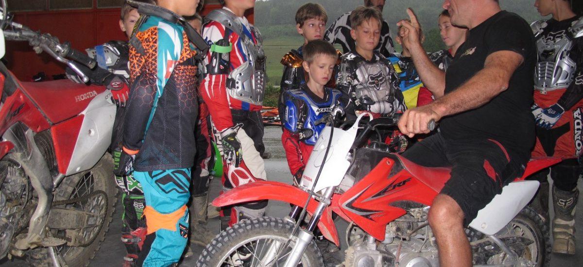 Le motocross, bon pour les enfants, nous avons testé à Moudon