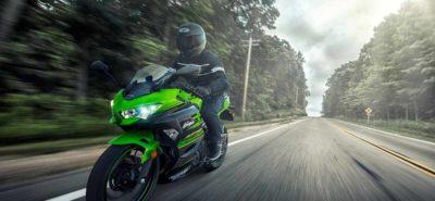 Née pour la route, la nouvelle Ninja 400 transpire l'ADN de la piste :: Nouveauté 2018