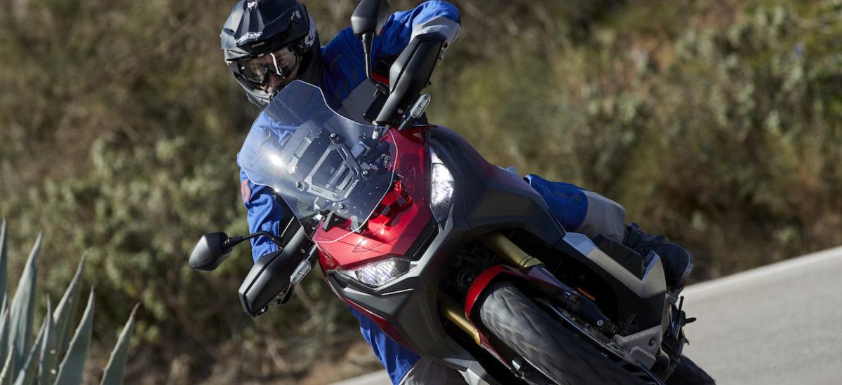 Le X-ADV s'améliore un poil et reste un couteau suisse entre scooter et moto