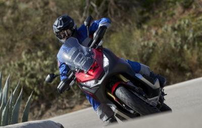 Le X-ADV s'améliore un poil et reste un couteau suisse entre scooter et moto :: Test Honda