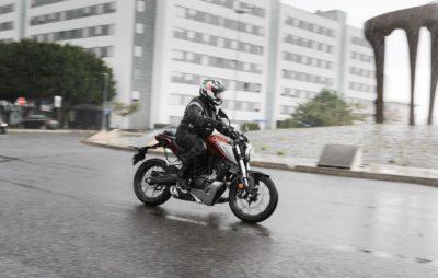 Agile et rassurante, la petite CB 125 R, avec le look de ses grandes soeurs :: Test Honda