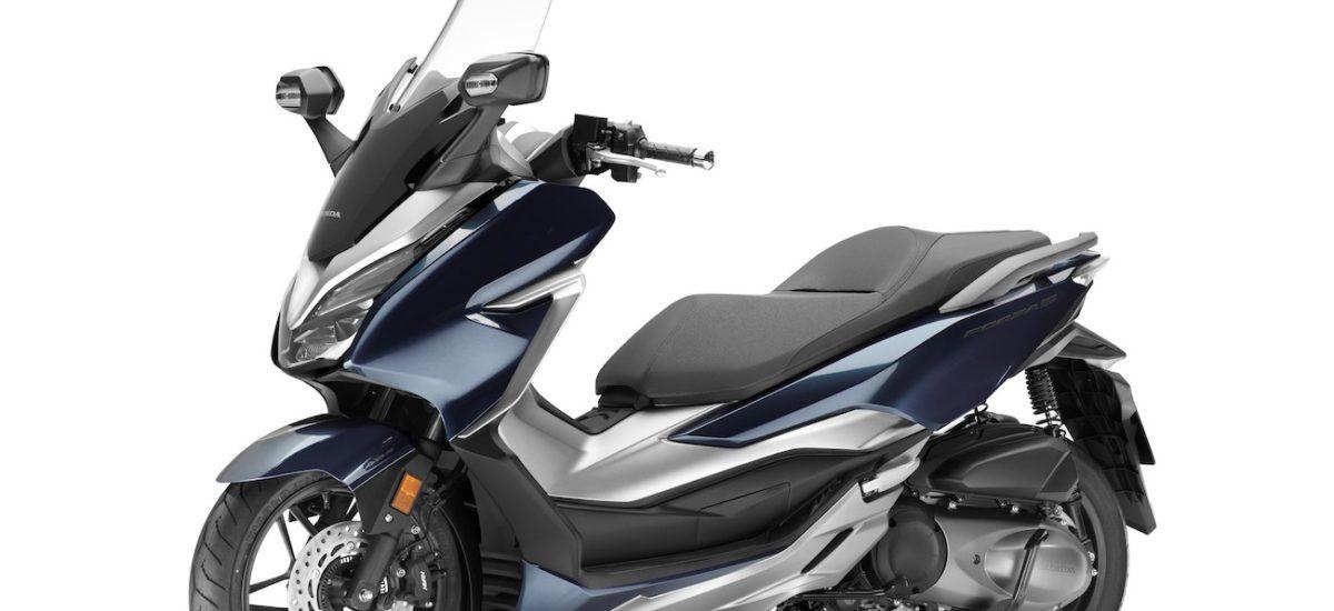 Le Honda Forza 300 devient plus sportif et en même temps plus sophistiqué