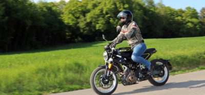 La Husqvarna Svartpilen, une petite moto pionnière au look unique :: Test Husqvarna