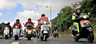 Succès monstre pour les Vespa World Days 2018 de Belfast :: Communion