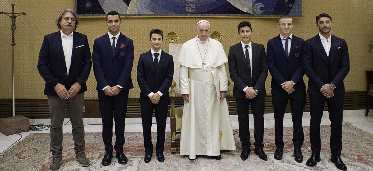 Le MotoGP a rendu visite au Pape François