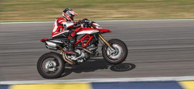 Un Hypermotard Ducati 950 encore plus joueur, avec pots sous la selle :: Nouveautés 2019