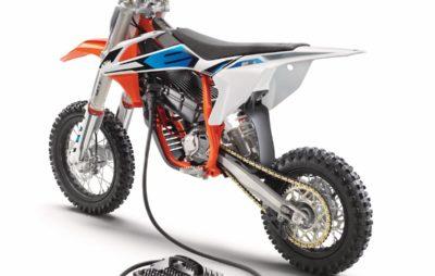 Avec la SX-E 5 et l'EE 5, KTM et Husqvarna se mettent à la mini moto de cross électrique :: Nouveautés 2019