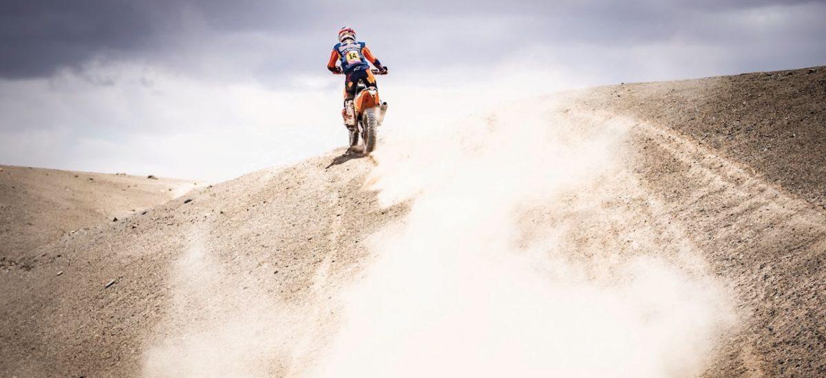 Dakar étape 5: Sam Sunderland «perd» 7 minutes à aider un pilote mais gagne