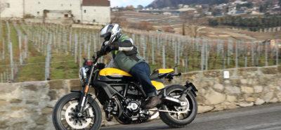Le Scrambler Ducati Full Throttle, moto culte et facile, en jaune :: Test Ducati