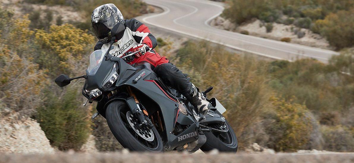 Honda revient dans le sport Midsize avec une «Baby Fireblade»