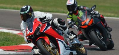 Aller tourner sur circuit, comment s'y initier? :: Pilotage moto