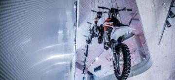 Comme BMW, Triumph et d'autres, KTM a désormais son «temple», le Motohall