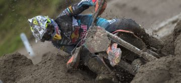 Cairoli a survolé la boue pour écraser la concurrence à Mantova