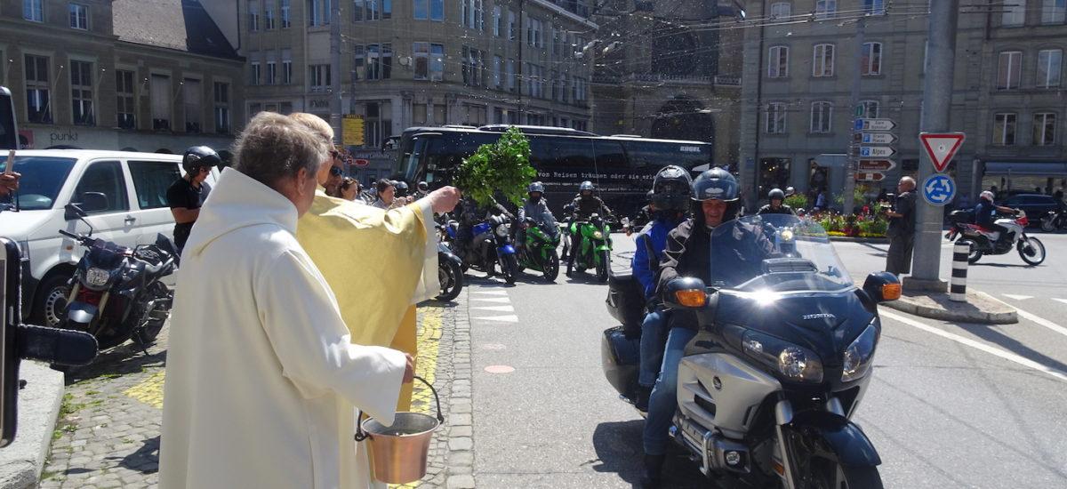 Plus de 1500 motocyclistes en pèlerinage entre le Mouret et Fribourg