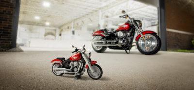 Lego Group présente aux motards sa vision de la Harley-Davidson Fat Boy :: Cadeau original