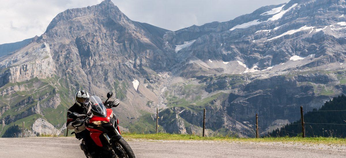 Dans les Alpes vaudoises, la Croix et l'Agite