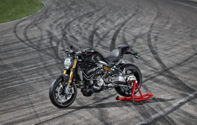 Une Ducati Monster 1200 S noir sur noir :: Gamme 2020