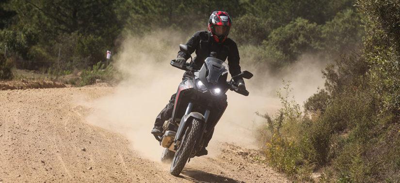 La mythique Africa Twin ne craint ni les cailloux ni la poussière :: Test Honda :: ActuMoto