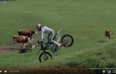 Mat Rebeaud présente le Freestyle suisse, en silence et sur l'herbe :: Figures silencieuses