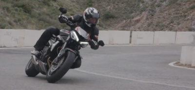 La Triumph Street Triple RS tantôt route tantôt piste :: Essai en vidéo