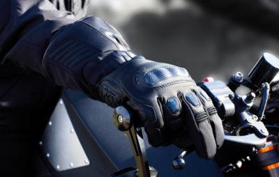 Ixon lance le gant chauffant «intelligent» :: Equipements moto